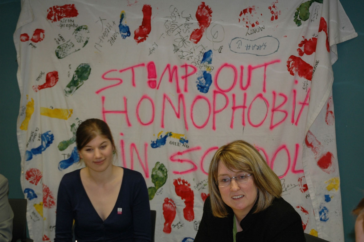 Schools Minister Jacqui Smith receiving the 'Stamp out homophobia' petition (www.schools-out.org.uk)